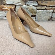 PRADA Classic Nude / Tan Leather Pointed Toe Pumps Wood Heels Size 39.5 / 9.5