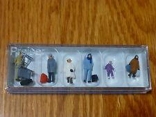 Preiser HO #14038 Travelers in Winter Clothing pkg(6)
