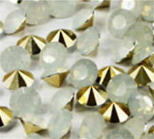 High quality 30Pcs8mm White Crystal beads Point back Rhinestones Resin Chatons