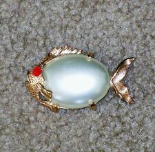 RARE VTG LARGE JELLY BELLY FISH BROOCH PIN GOLD TONE FAUX PEARL BIG EYE MINT