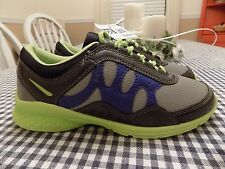 New without box CURVES womans size 7.5 athletic/workout shoes, lightweight