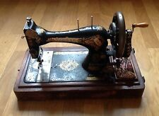 Beautiful Vintage Singer Sewing Machine With Handle Crank