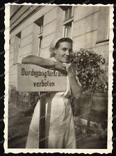 Krankenschwester-Girl-Rotkreuz-Schild-Wehrmacht-Lazarett-Krankenhaus-Stuttgart-1