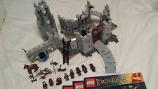 Lego lord of the rings set 9474-battle of helm's deep (complet avec boite)