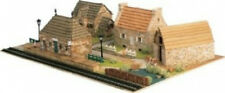 Elegant, finely detailed model kit by the masters at Domus: Dihorama 2