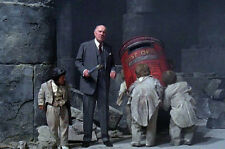 Ralph Richardson As Supreme Being Time Bandits 11x17 Mini Poster With Small Men