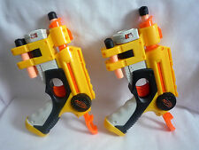 2 NERF HANDGUNS WITH LASER SIGHTS & 6 BULLETS / TESTED & WORKING