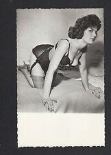 PHOTO de STUDIO : PIN-UP en sous-vetement , période 1950 / Format CPA