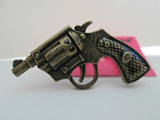 NWT Auth Betsey Johnson GUN Revolver Bang Bang Pistol Goldtone 2 Finger Ring