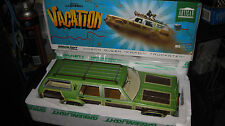 1/18 GREENLIGHT NATIONAL LAMPOONS VACATION MOVIE WAGON QUEEN FAMILY TRUCKSTER