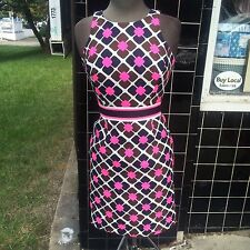 AN ORIGINAL MILLY OF NY MULTI COLORED FLATTERING LINED SIZE 2 GEOMETRIC DRESS