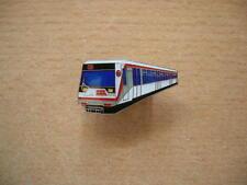 Pin Anstecker U-Bahn Hamburg Zug Lok Eisenbahn Art. 6131 Badge Spilla