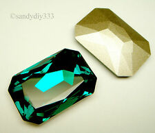 1x SWAROVSKI 4627 EMERALD CRYSTAL 27mm x 18.5mm STONE BEAD (Foiled)