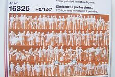 HO Preiser 16326 (ONE HUNDRED TWENTY)120 UNPAINTED WORKER Figures w Camera Crew