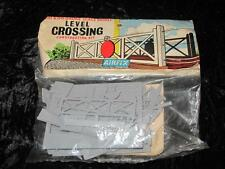 AIRFIX HO/OO MODEL RAILWAY KIT Level Crossing Unmade in Rare Type 2 Bag