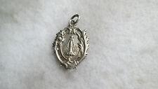 Ancienne Médaille religieuse en argent massif Ste Vierge Rocaille Communion