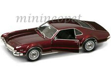 ROAD SIGNATURE 92718 1966 66 OLDSMOBILE TORONADO 1/18 DIECAST MODEL CAR BURGUNDY