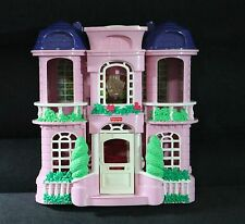 2001 MATTEL FISHER PRICE SWEET STREETS DOLL TOWN  HOUSE HOME #74916