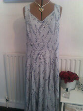 BNWT Per Una Dahlia Milan size 20 gorgeous dress with cool comfort lining