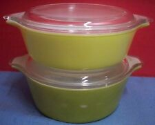 Set 2 Vintage Pyrex Round Refrigerator Bowls Clear Lids Green Yellow 1 Pt 1 1/2