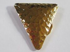 HAMMERED GOLD TONE scarf clip costume jewelry triangle EUC fastener