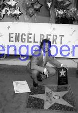 ENGELBERT HUMPERDINCK #8,STUDIO PHOTO,closeup,GETTING STAR,WALK OF FAME