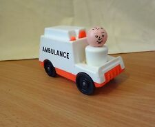 VINTAGE FISHER PRICE LITTLE PEOPLE AMBULANCE & DOCTOR HOSPITAL 1970s #126 #931