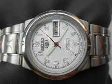 VINTAGE SS MIDSIZE 32mm SILVERWHITE DIAL SEIKO 5 JAPAN MENS AUTOMATIC WRISTWATCH
