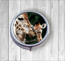 GIRAFFE AND BABY MOTHER LOVE PILL BOX ROUND -dms3Z