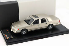 Lincoln Town Car Baujahr 1996 champagne 1:43 Premium X