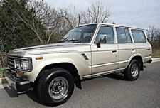 Toyota: Land Cruiser GX SR5 4Run.
