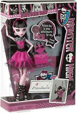 Monster High PICTURE DAY Draculaura Doll NEW Original High School Fearbook ! NIB