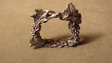 VINT ARTIST SIGNED WANDA SCRUBY PEWTER WINE GRAPES & LEAVES NAPKIN RING HOLDER