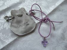 STUNNING LALIQUE LILAC/PURPLE CROSS/CROIX/CRUCIFIX ON LILAC LEATHER CORD,  POUCH