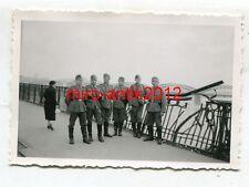 Foto, Wehrmacht, Gruppenfoto an der Weichsel, Warschau, Polen