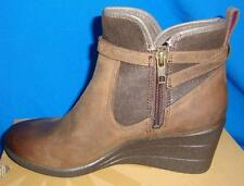 UGG Australia EMALIE Stout Waterproof Leather Ankle Boots Size US 7 NIB #1008017
