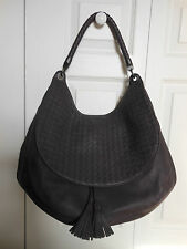 NEW Authentic $2950  Bottega Veneta Maxi Cervo Leather Shoulder Bag Tote Purse