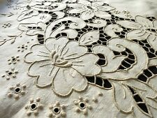 PRETTY FLOWERS Vtg CUTWORK Madeira Hand Embroidery Linen OVAL Tablecloth 66x98