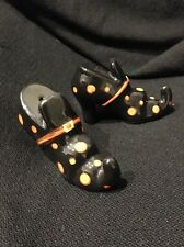 Cute Hand Painted Ceramic Halloween Witches Shoes Salt and Pepper Shakers