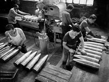 WWII B&W Photo US War Workers Assemble 105 Howitzer Ammo in Factory  WW2 / 1132
