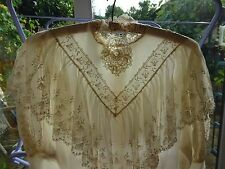 Vintage Silk Wedding Dress size 8-10 with beautiful fine lace detail
