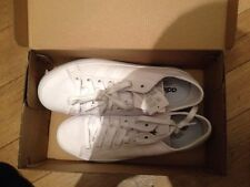 New Sneakers adidas men's size US 8,5.