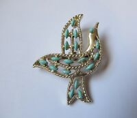 Vintage GERRY'S ENAMELED GOLD TONE DOVE BIRD BROOCH PIN