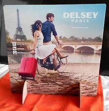 Présentoir display PLV 2 faces 30x30cm Valises Delsey Paris, Tour Eiffel, Seine