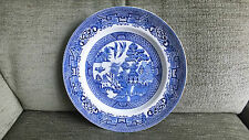 3x BLUE AND WHITE WILLOW PATTERN PLATES 2 @ 20CM WIDE 1 @ 23CM WIDE