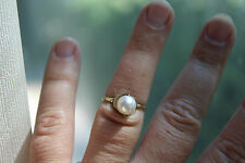 Antique!14K Yellow Gold PEARL RING. 2.2GRAMS. SZ. 5.5