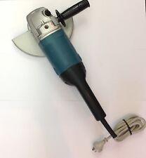 """Makita 9069 9""""/230mm Angle Grinder"""