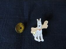 "TINTIN PIN / EPINGLE ""SITTING SNOWY with BONE""  ""MILOU assis avec son os""  9176"