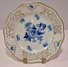 """BEAUTIFUL SCHUMANN DRESDEN BLUE FLOWERS 7 1/2"""" RETICULATED PLATE BLUE AND WHITE"""