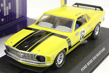 SCALEXTRIC C2760 1971 FORD BOSS 302 MUSTANG NEW 1/32 SLOT CAR IN DISPLAY CASE